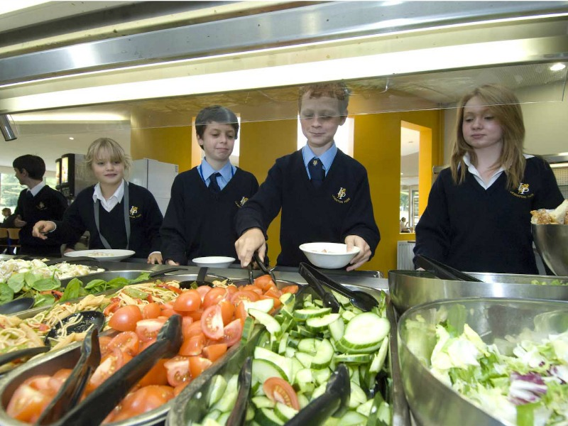 self service lunch at Leighton Park School